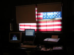 computer desk with flag small.jpg